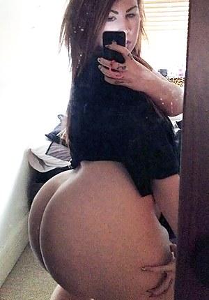 Big Ass Selfshot Porn Pictures