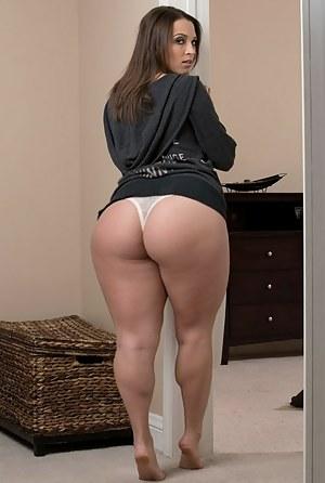 Big Ass Moms Porn Pictures